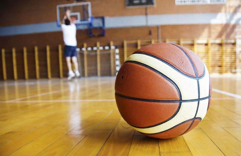 ball indor 1000x650 - 5 лучших мячей для игры в зале.